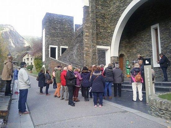 Meritxell, Andorra: Explicaciones antes de entrar ahi .