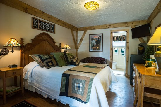Hemlock Inn: Single queen, sleeps 2, non smoking, no pets