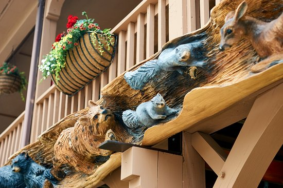 Hemlock Inn: Our carvings located on the outside of the building, handcarved