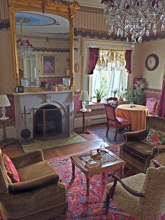 Waterloo, NY: Grand Room
