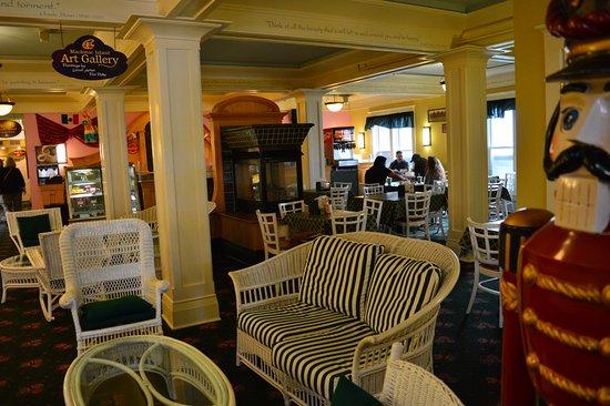 Murray Hotel: Luncheon cafe & pub