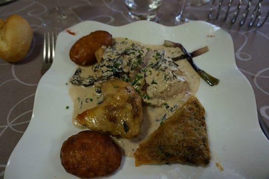 Pouance, France : un plat (on ne se rappelle plus du nom) sauce foie gras