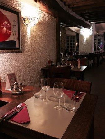 Meulan, Francia: Restaurant Pizzeria Carlina