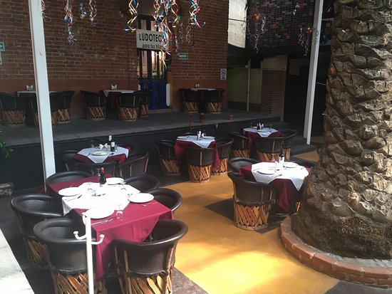 Texcoco, Meksyk: Area de restaurante en FINCA LA COLORADA