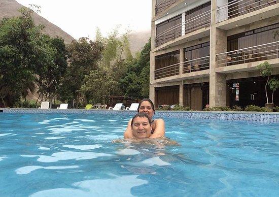 Hotel Rumi Wasi: Amplia y limpia piscina, fue grato encontrarla así.