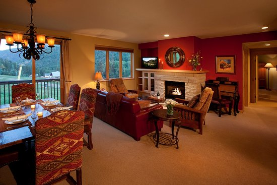 Edelweiss Lodge & Spa: Slope Side Condo Living Room