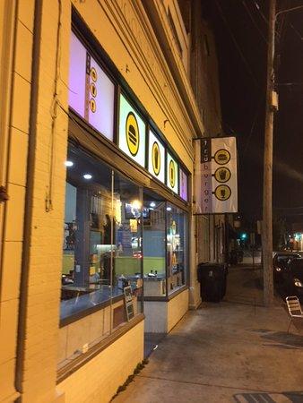 Tru Burger: the restaurant