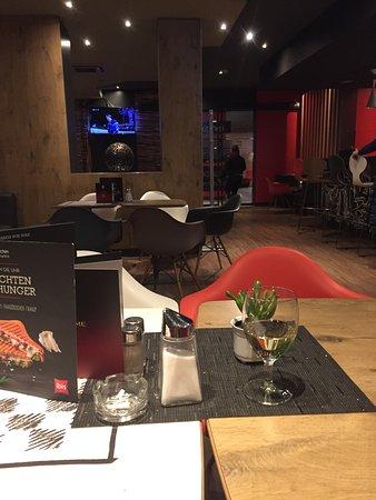Hotel ibis Wien Mariahilf: Это я в баре