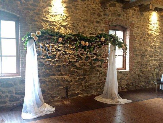 Washingtonville, NY: The wedding ceremony arch
