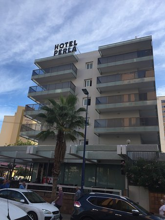 Img 20170416 160951 picture of hotel perla for Hotel perla benidorm