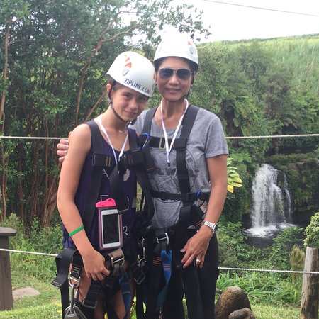 Honomu, Havai: Jocelyn and Moni Skyline Eco Adventures