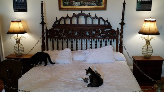 the ernest hemingway home and museum master bedroom which wife was sleeping with him