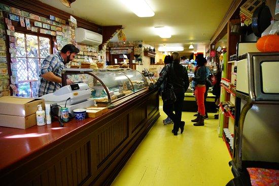 Jo-Ann's Deli Market & Bake Shop: Desert counter and where you pay