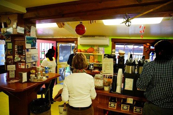 Jo-Ann's Deli Market & Bake Shop: Door to dining area