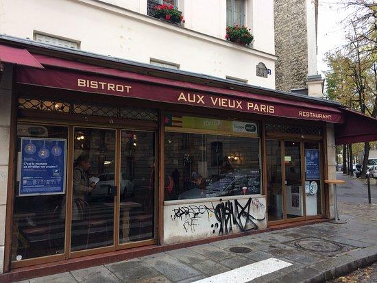 Aux vieux paris picture of aux vieux paris paris for Restaurant cuisine francaise paris