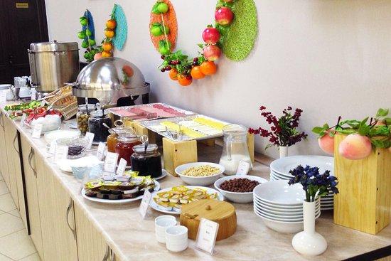 All Stars Hotel: Breakfast (Open Buffet)