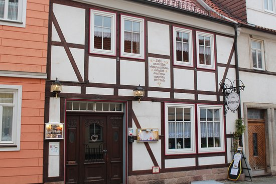 Heilbad Heiligenstadt, Tyskland: der Bürgerhof  in der histor. Altstadt,besster Blick auf die Kirche