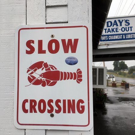 Yarmouth, ME: Slow...Lobsters Crossing at Day's Take-Out in Maine