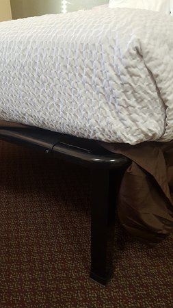 Colonial Heights, VA: mattress on metal frame