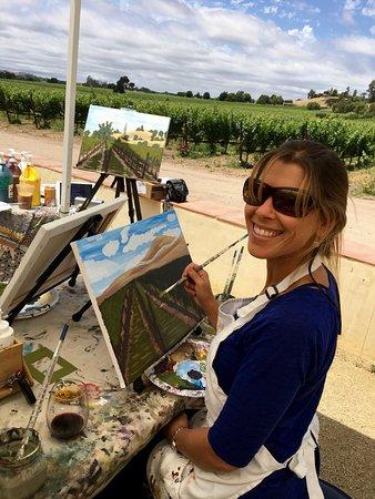 Santa Ynez, Καλιφόρνια: Working on her masterpiece at Brander Vineyard