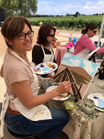 Santa Ynez, CA: Painting in the Vineyard at Brander Winery
