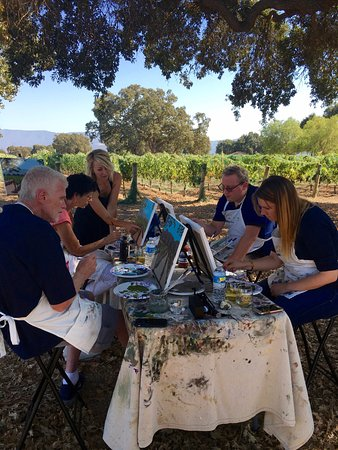 Santa Ynez, Californië: Private Painting in the Vineyard at Roblar Winery