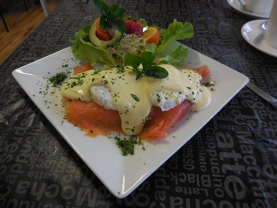 Kempsey, Australia: Eggs Benedict with Salmon