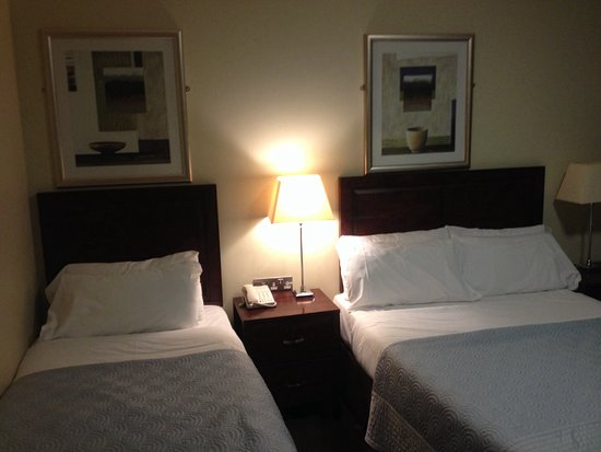 Kenmare Bay Hotel & Resort: Upgraded room
