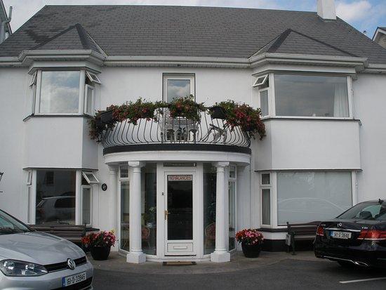 Balcony House Bed & Breakfast: Fachada de la casa