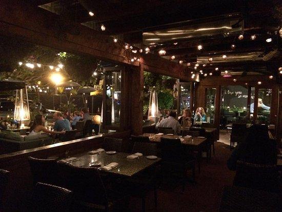 Barbarella Restaurant & Bar: Was very cozy in the evening!