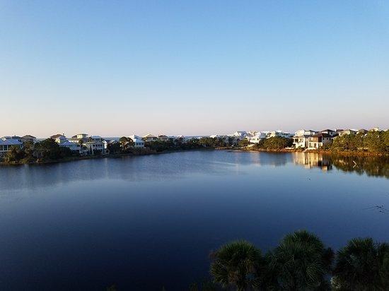 Carillon Beach Resort Inn: 20161115_064747_large.jpg