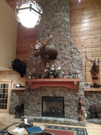House Mountain Inn: The main fire place.