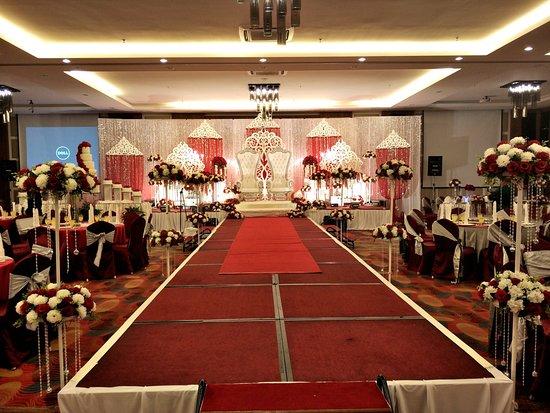 Wedding picture of likas square apartment hotel kota kinabalu likas square apartment hotel photo junglespirit Images