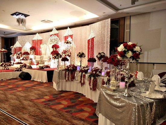 Wedding picture of likas square apartment hotel kota kinabalu likas square apartment hotel wedding junglespirit Images