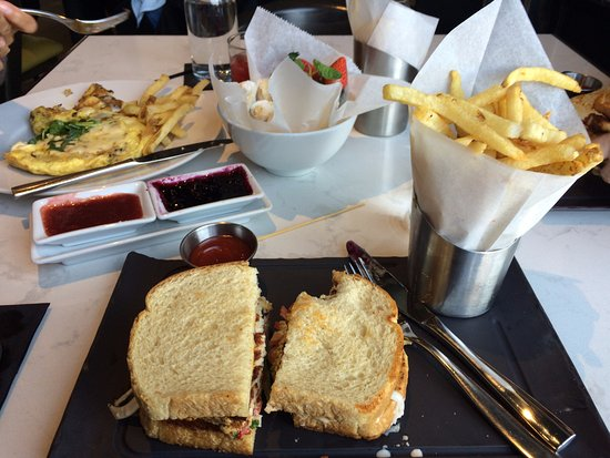 Newburyport, MA: Fish sandwich on toast with red pepper slaw and cayenne aioli, served with fries cooked to perfe