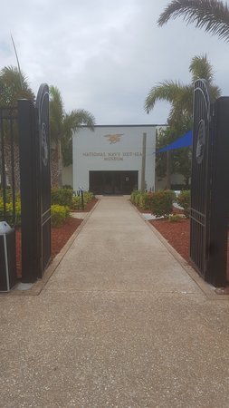 Fort Pierce, Floryda: Front Entrance