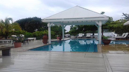 Barefoot Cay: Área de piscina