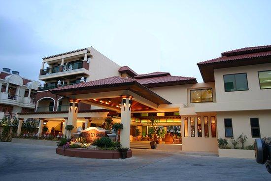 Karon Sea Sands Resort & Spa: Sun Set