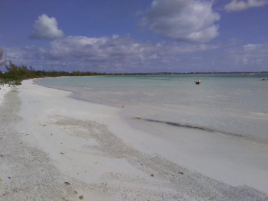 Long Bay Beach, Providenciales: Boogaloo's place