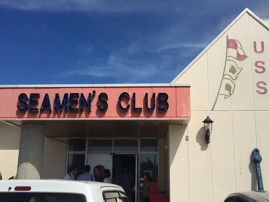 Seamen's Club Naha : SEAMEN'S CLUB入り口