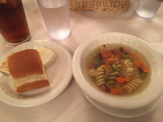 Seamen's Club Naha : ステーキセット(パンとスープ)