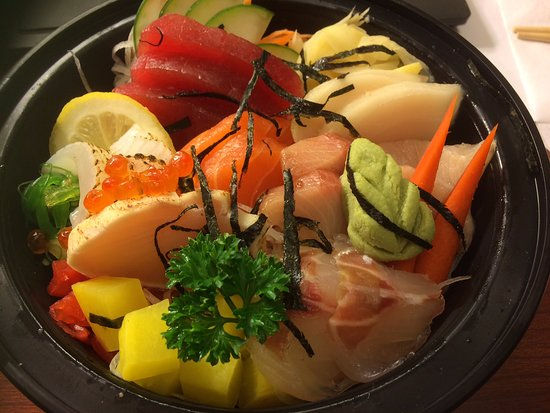 Woojung Byob Restaurant & Sushi Bar: Chirashi sushi rice bowl