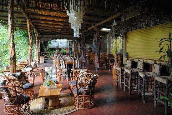 Hotel Manavai: SAM où ne peuvent dîner que les groupes