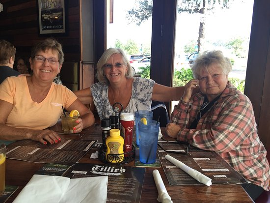 Eustis, FL: We enjoyed a delectable lunch at Tillie's.