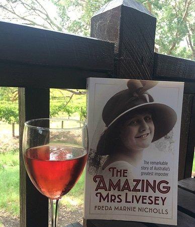 Middle Swan, Australia: @winesandbooks instagram post