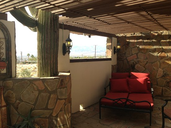 Tuscan Springs Hotel and Spa: Balcony
