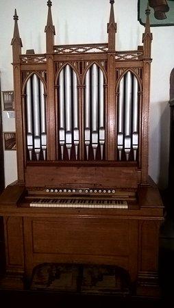 Montagu Museum: Old Mission church organ