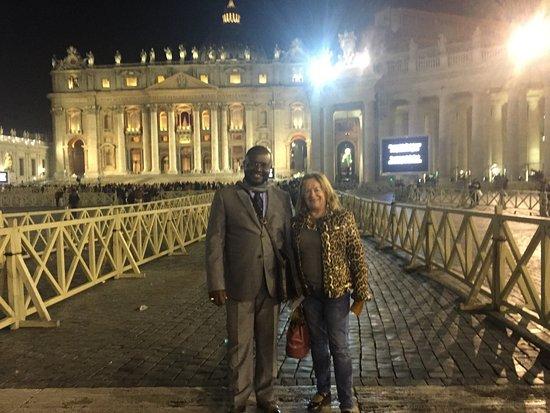 Hotel Sonya: Oui au moi de décembre passe j'étais au Vatican ET j'ai passé mes nuit A l'hôtel Sonya qui est b