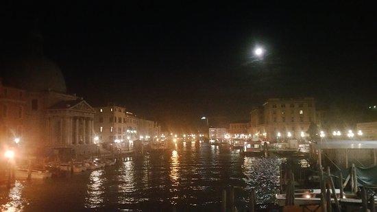 Province of Venice, Italy: Luna llena en Venecia