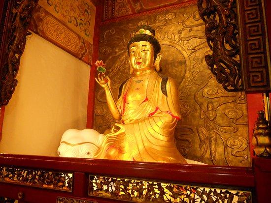 Luermenma Temple : Tapınağın içi